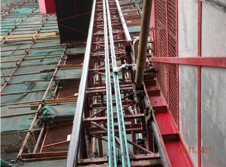 电缆施工电梯降机滑触线