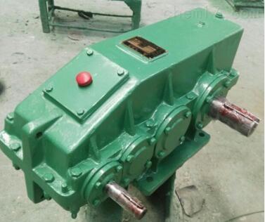 中硬齿面:QJ-T200-22.4-1套装式减速机