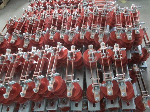 HGW9-12硅橡胶型高压隔离开关