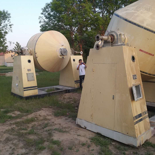 回收出售二手1000升双锥干燥机