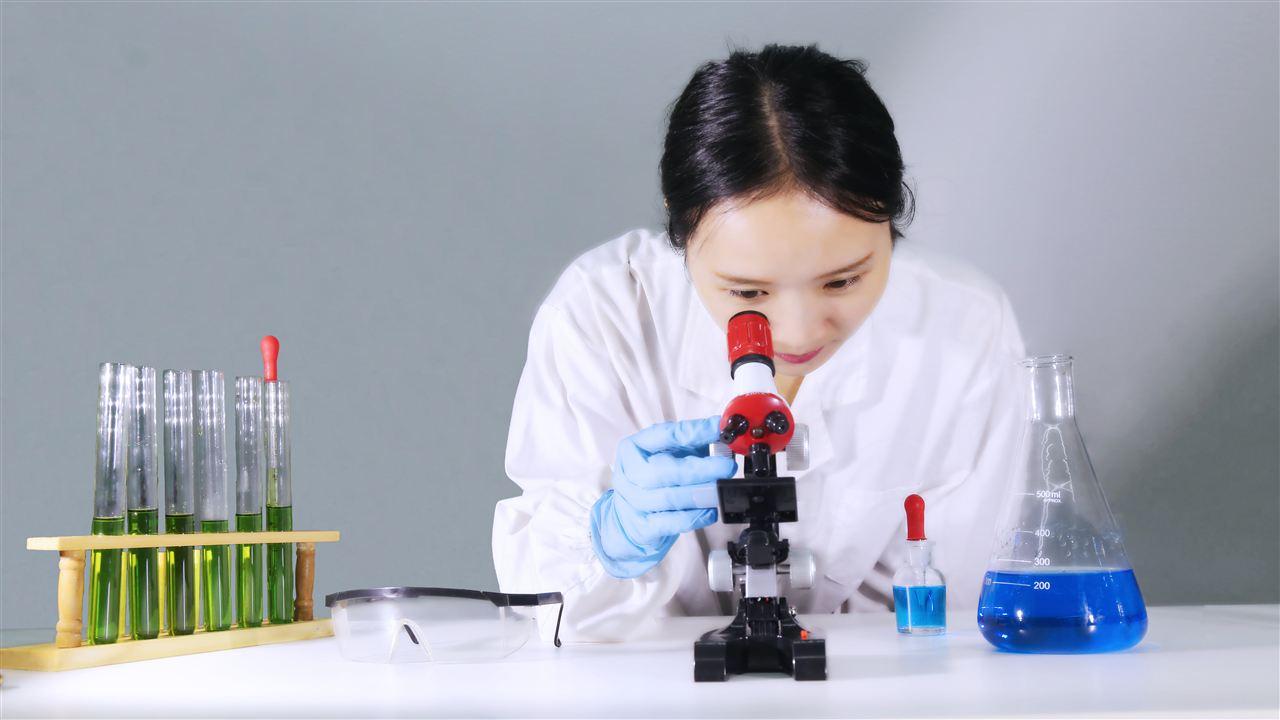 """科学仪器检测陨石含糖 新发现或为糖""""沉冤昭雪"""""""
